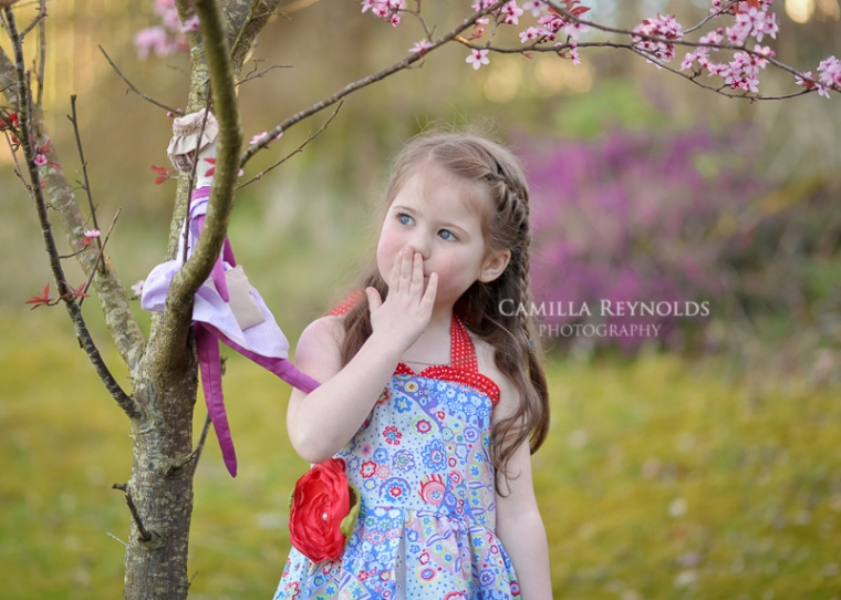 spring beautiful children photography Cotswold photographers