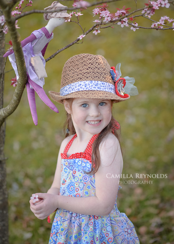 outdoor beautiful children photography Cotswold photographers
