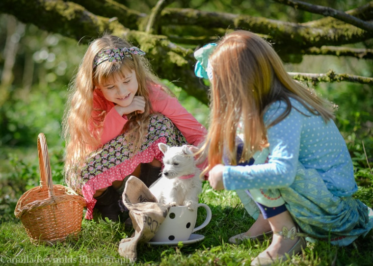 westie children outdoor photo shoot Cotswolds Gloucsetershire