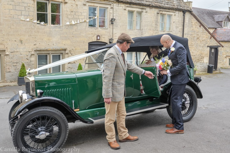vintage wedding natural wedding photographer Cotswolds