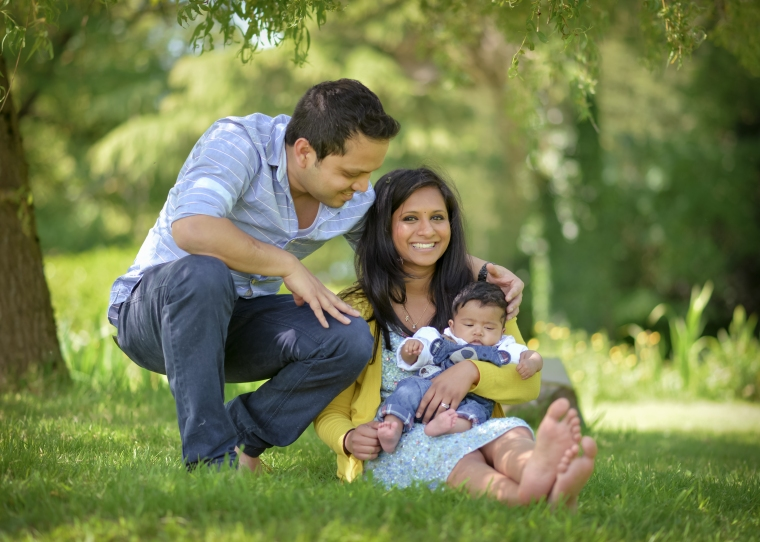 beautiful natural family photo shoot Cotswolds Matara
