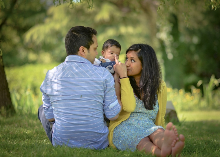 outdoor baby photo shoot Cotswolds Matara