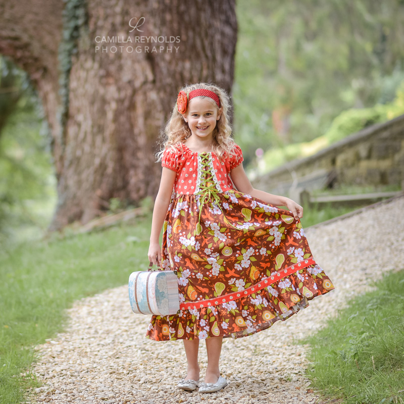 creative children photo shoot Cotswolds girls