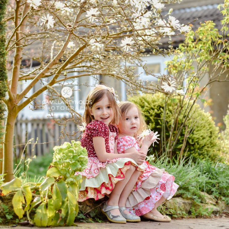 natural children phoo shoot Gloucestershire Cotswolds sisters
