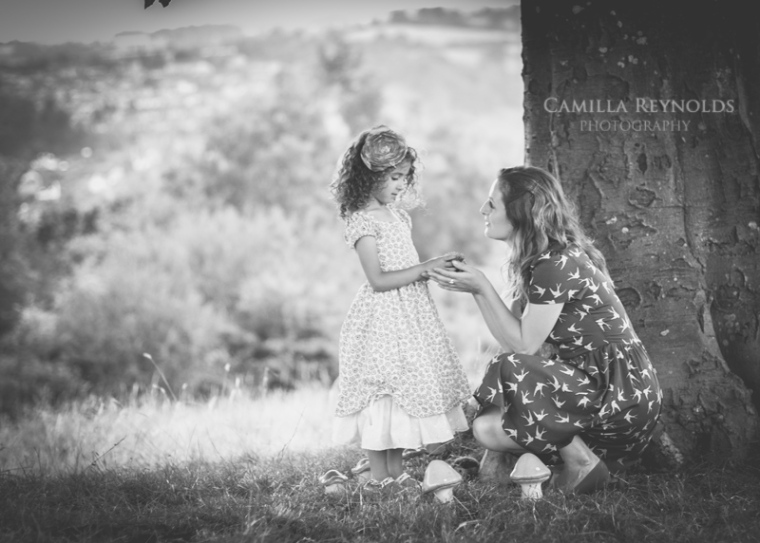 creative children photography Cotswolds mother daughter