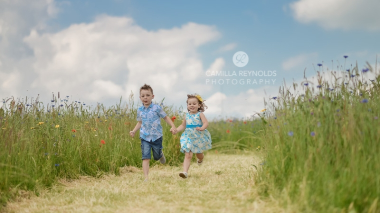 children natural family photo shoot Cotswolds