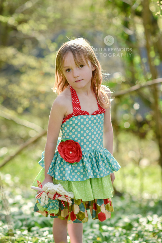 natural beautiful children photography girl Cotswolds