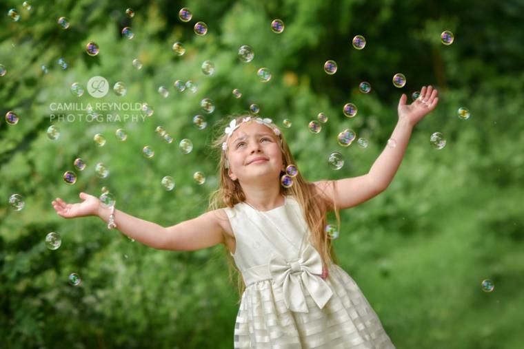 bubbles children photo shoot Gloucestershire Cotswolds