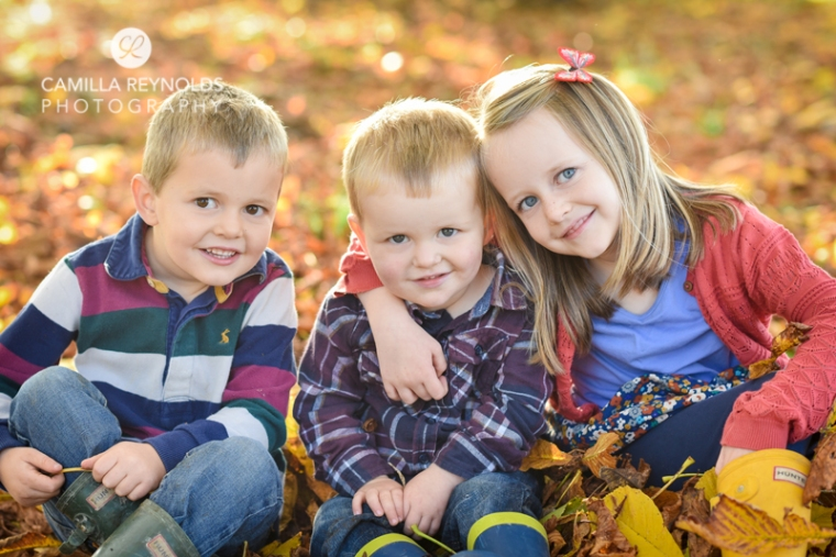 children sibling outdoor photo shoot Cotwolds