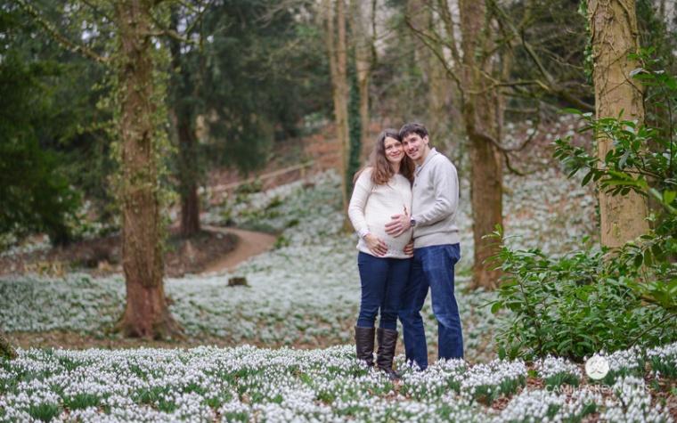pregnancy_photo_shoot_Painswick_rococo_garden (2)
