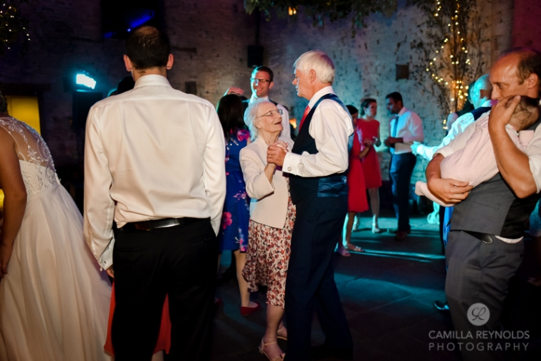 cripps-barn-wedding-photography-cotswold-wedding-photos-31