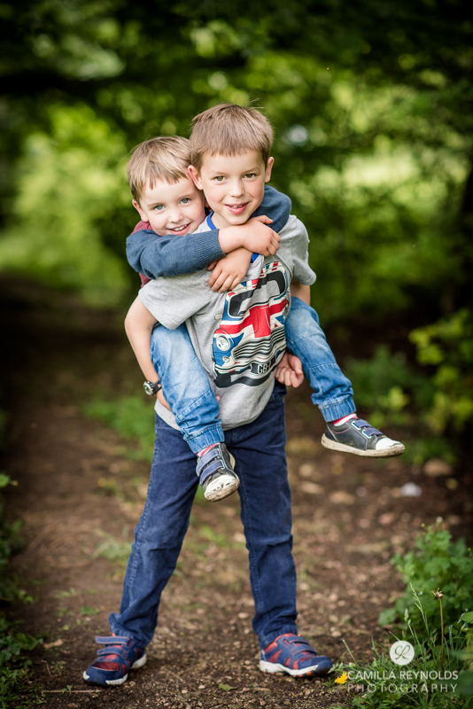 children photo shoot Gloucestershire photographer brothers (5)