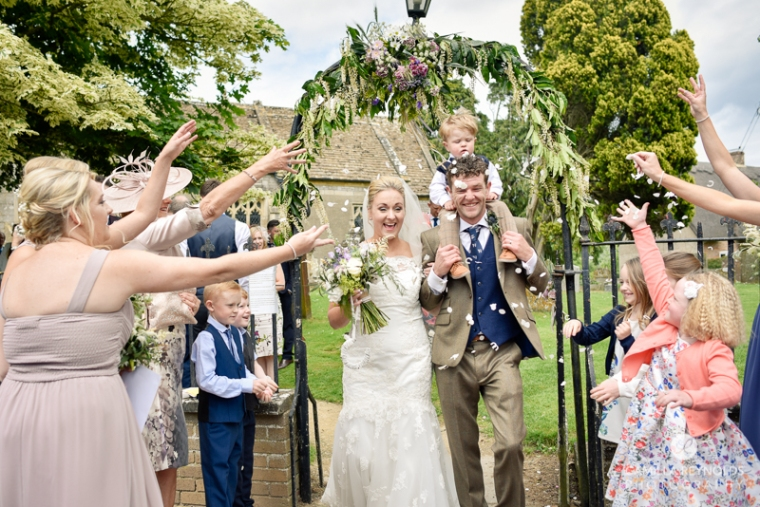 wedding photographer Cotswolds barn (37)