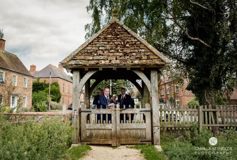 cotswold wedding photographer milton end farm barn (17)