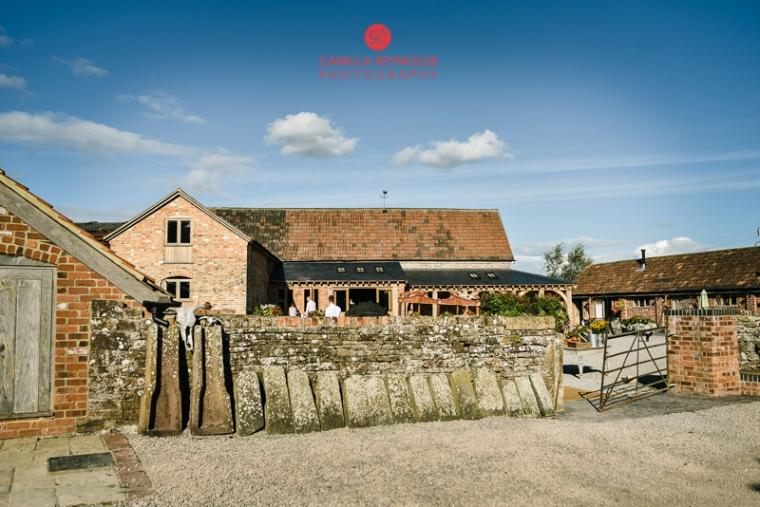 cotswold wedding photographer milton end farm barn (39)