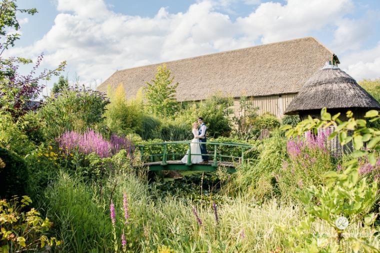 Gloucestershire Brockworth court barn wedding photography (12)