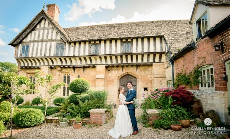 Gloucestershire Brockworth court barn wedding photography (2)