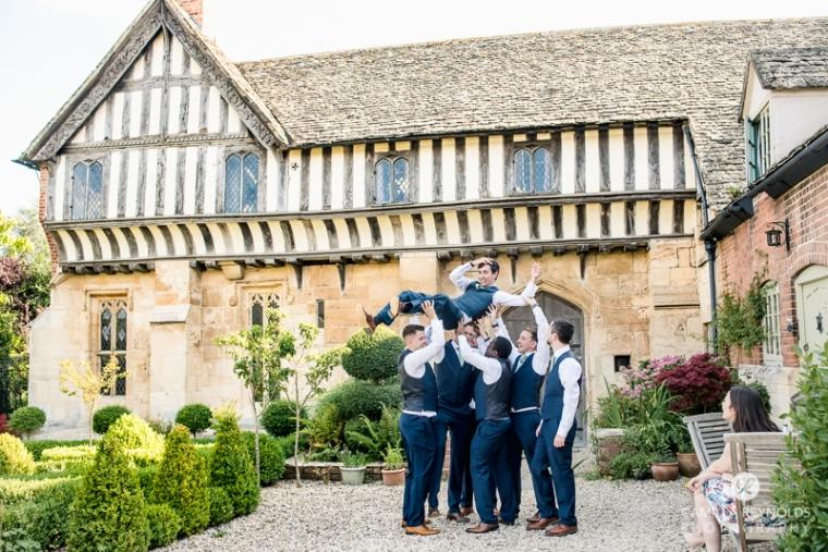 Gloucestershire Brockworth court barn wedding photography (6)