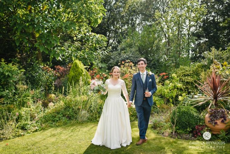 Gloucestershire Brockworth court barn wedding photography (9)