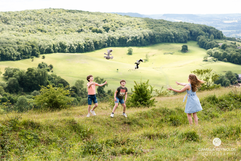 outdoor natural family photo session Cotswolds