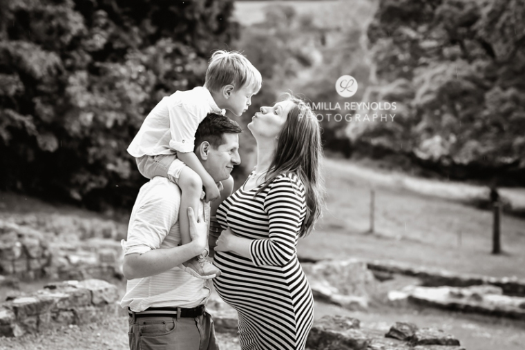 family pregnancy maternity photo shoot