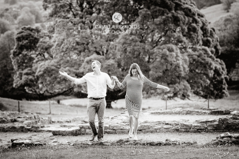 natural fun pregnancy photographer cotswold