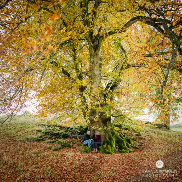 natural tree photo shoot family wedding cotswold