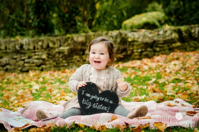 pregnancy baby announcement photo session Cotswold photographer