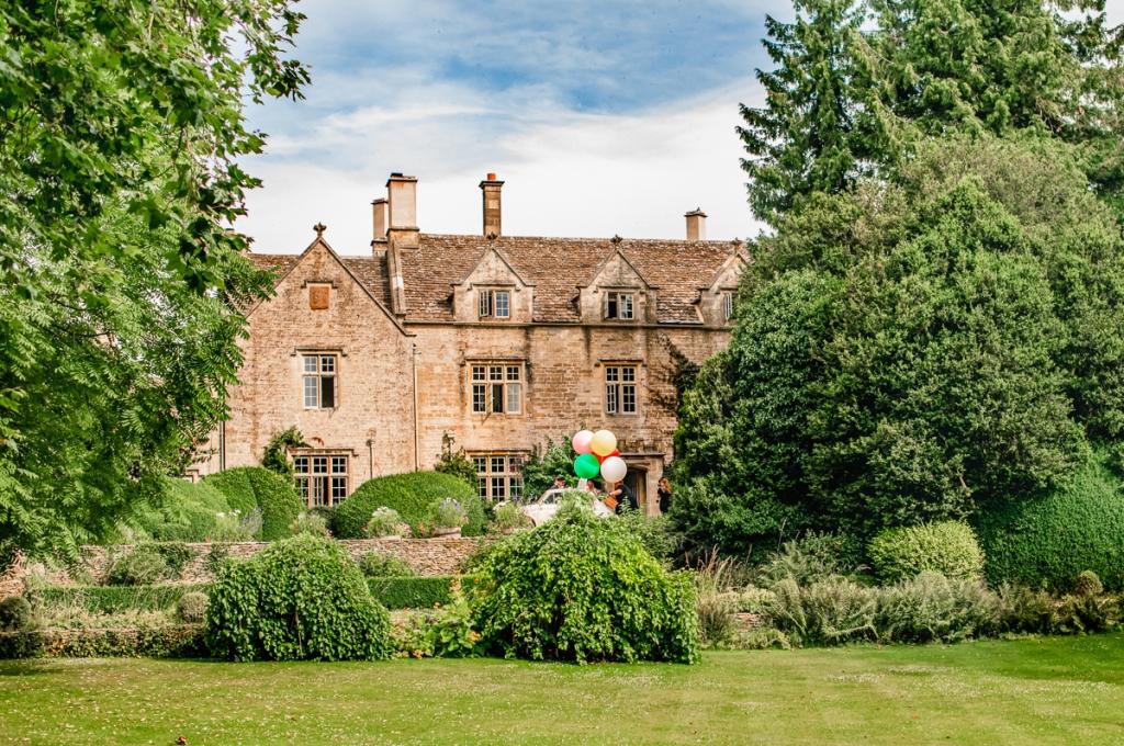 barnsley house hotel wedding balloons  photography uk