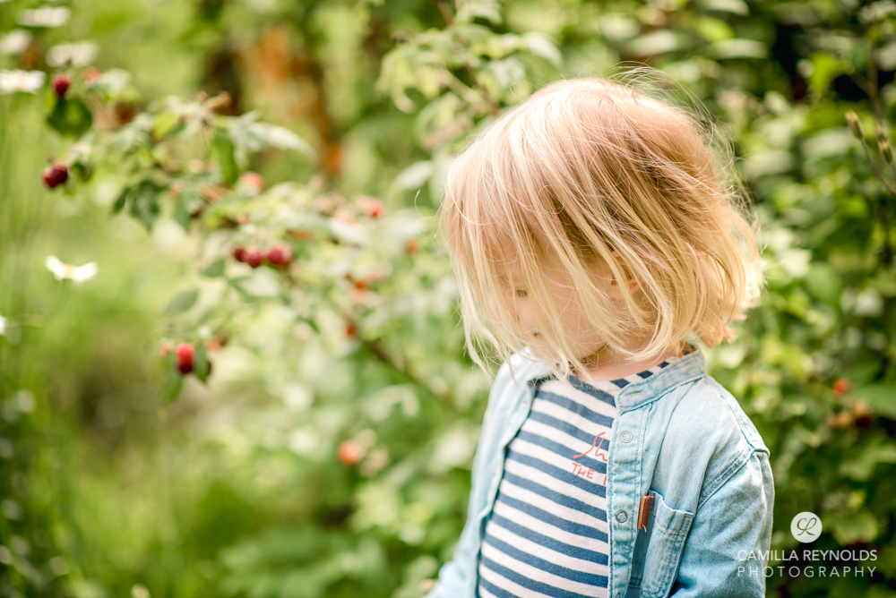 dreamy child portrait in garden cotswolds photography