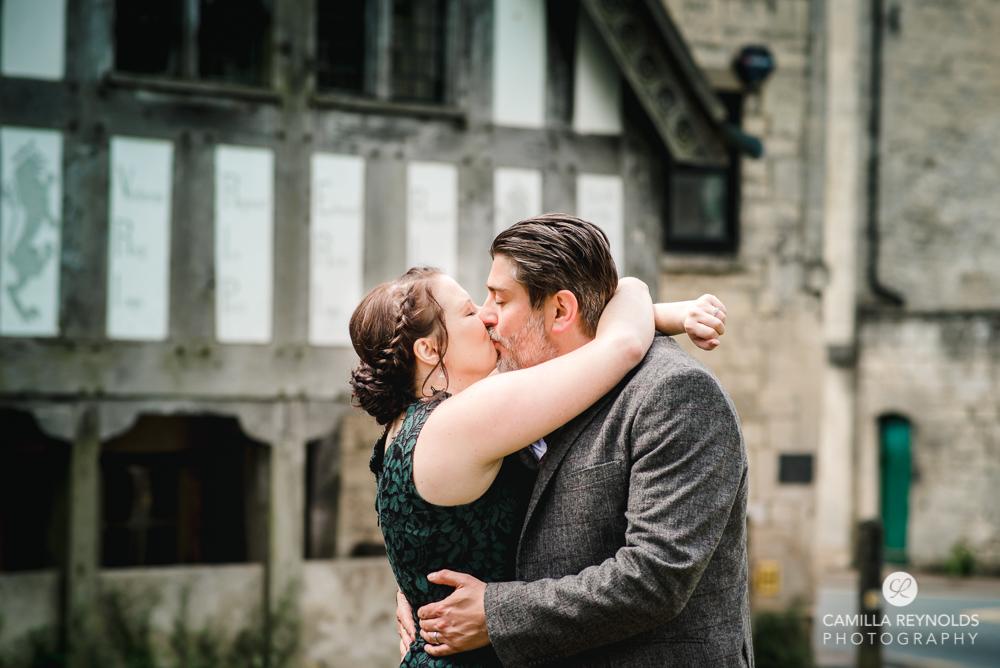 engagement couple kissing photo shoot cotswolds