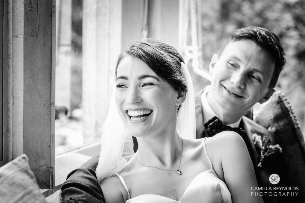 bride and groom black and white photos traditional wedding photography