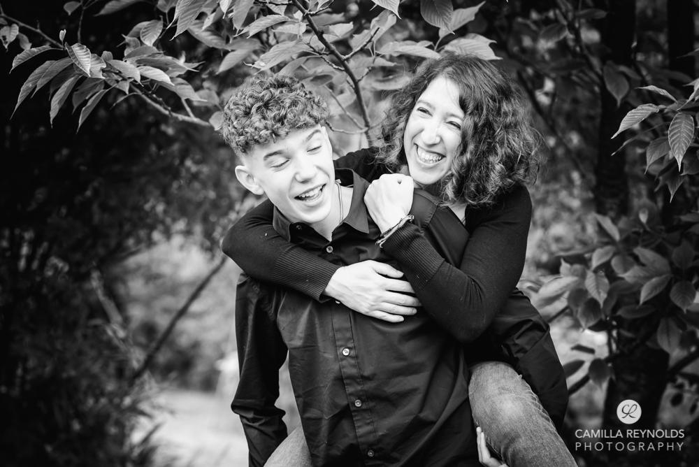 family laughing natural photo shoot stroud uk