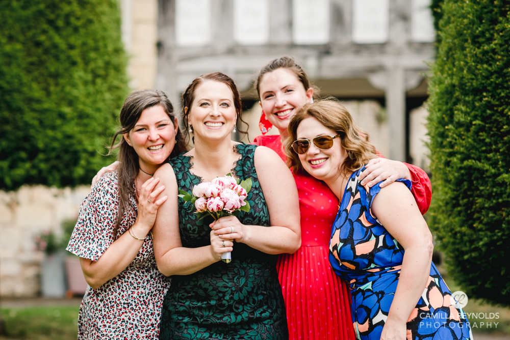 wedding group shots photos relaxed fun photography cotswolds