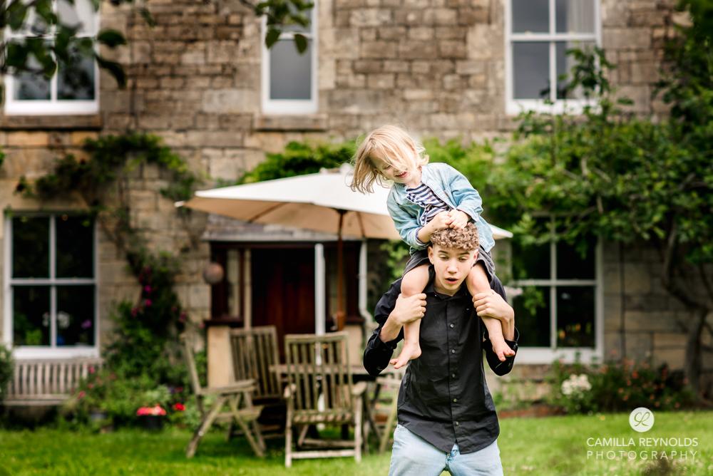 children playing fun family photo shoot Stroud  Gloucesetershire