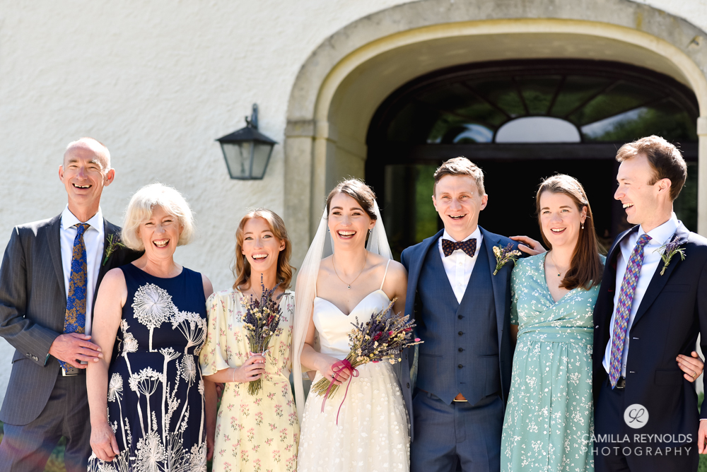 natural group shots relaxed fun wedding photography cotswolds