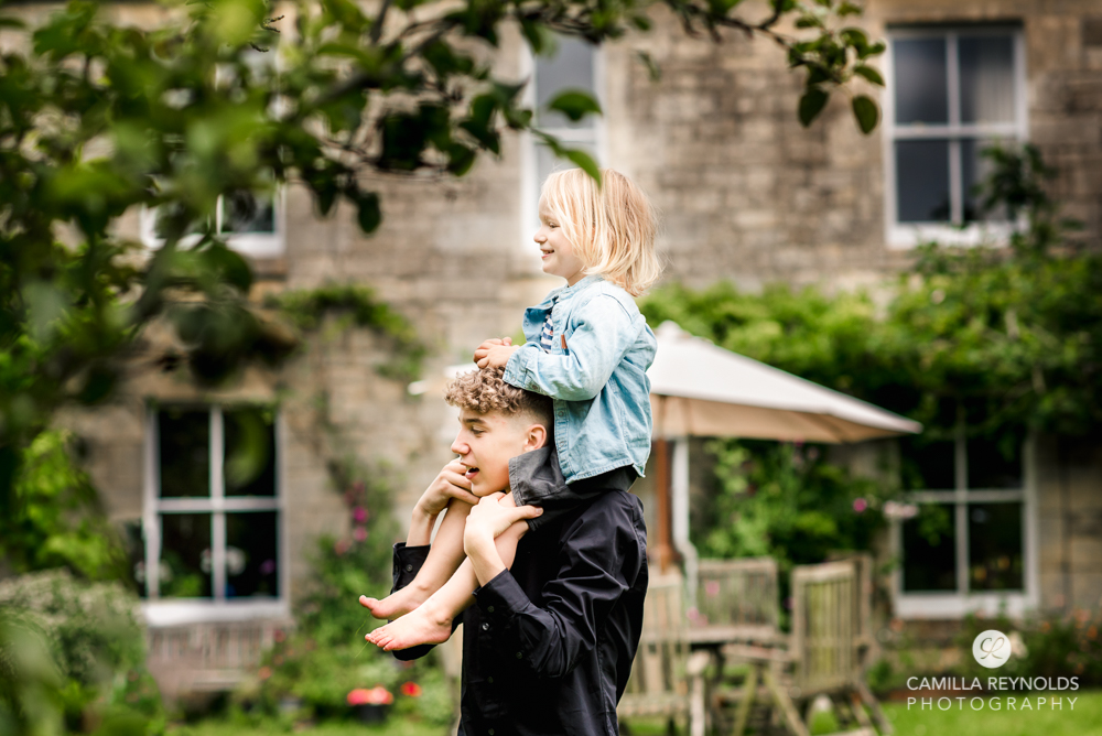 candid natural happy family photography Cotswolds